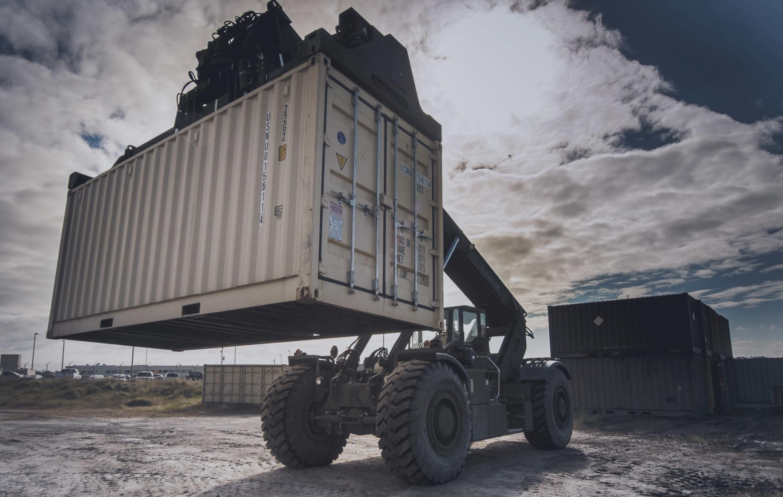 hydraulic cylinder lift load handling marine harbour